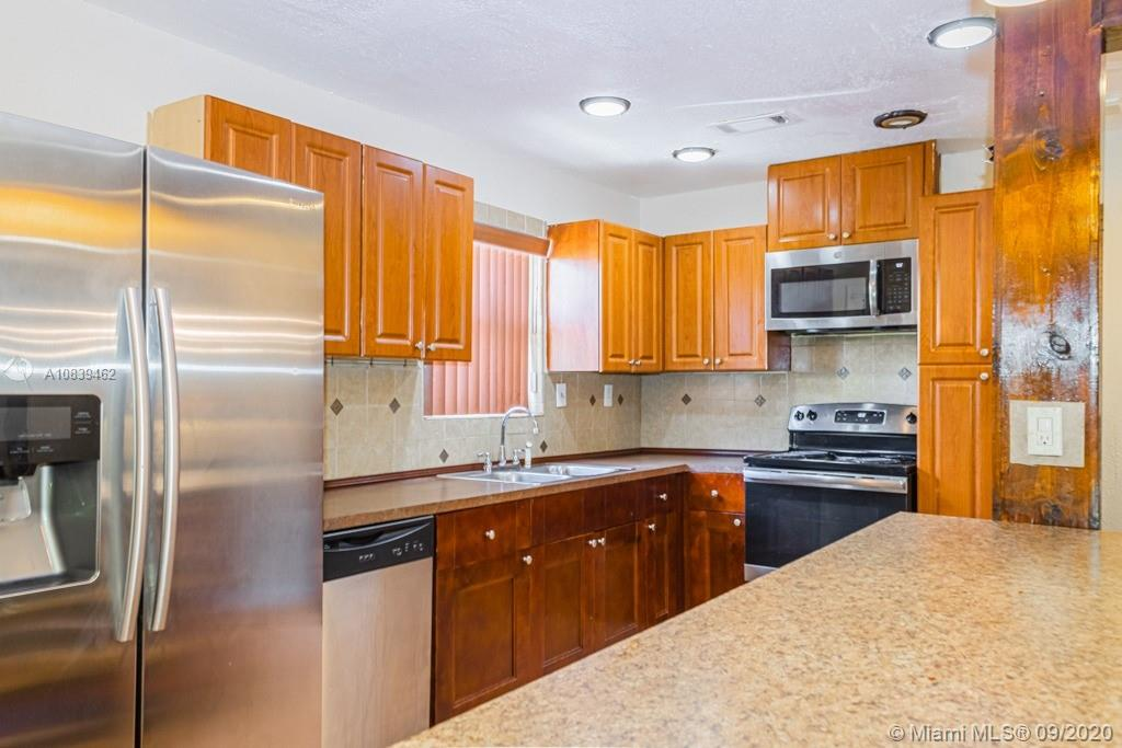 This property features 3 bedroom, 2 bathrooms, spacious living room along with an impeccable kitchen. Large backyard perfect for entertaining guest! Ideally located near shopping plazas and major roads. Lots of potential, perfect for first time home buyers!