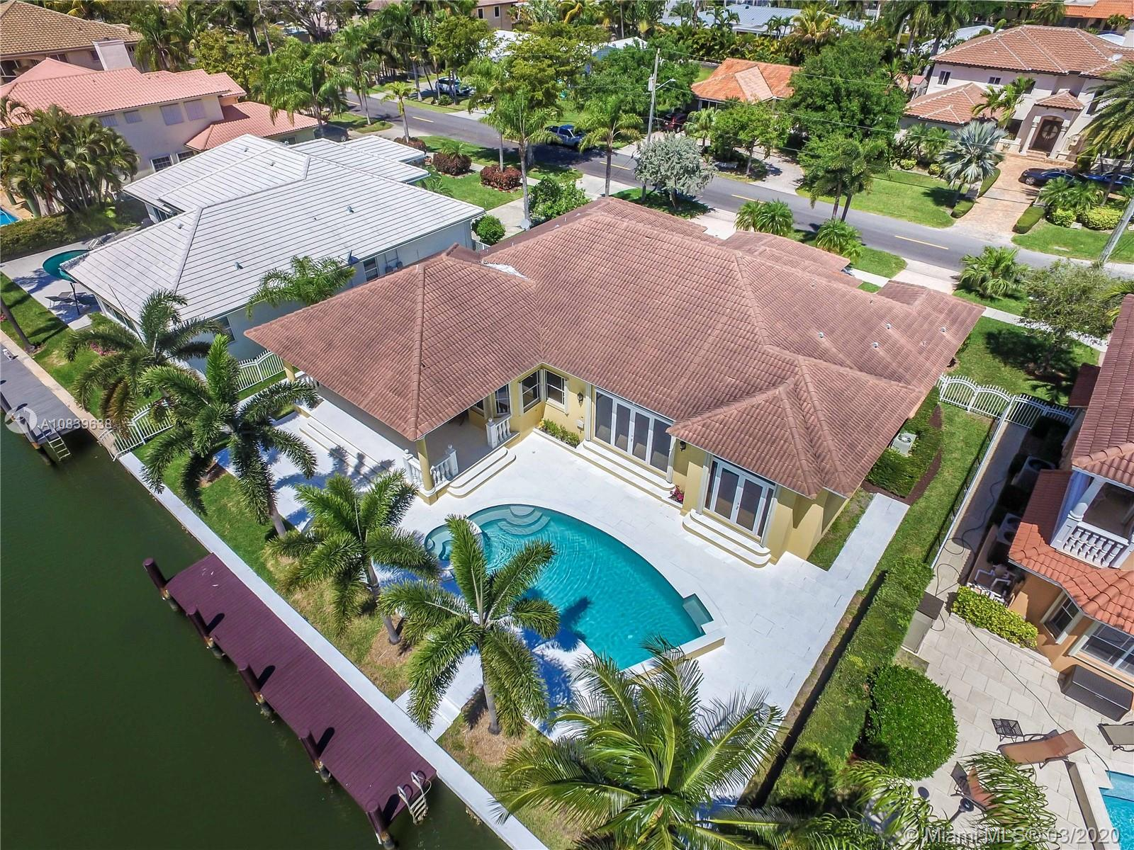 900  Washington St  For Sale A10839638, FL