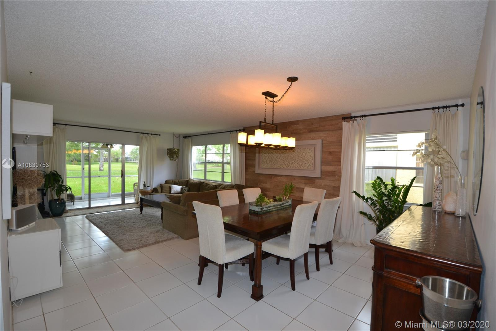 10131 NW 35 st, Coral Springs, FL 33065