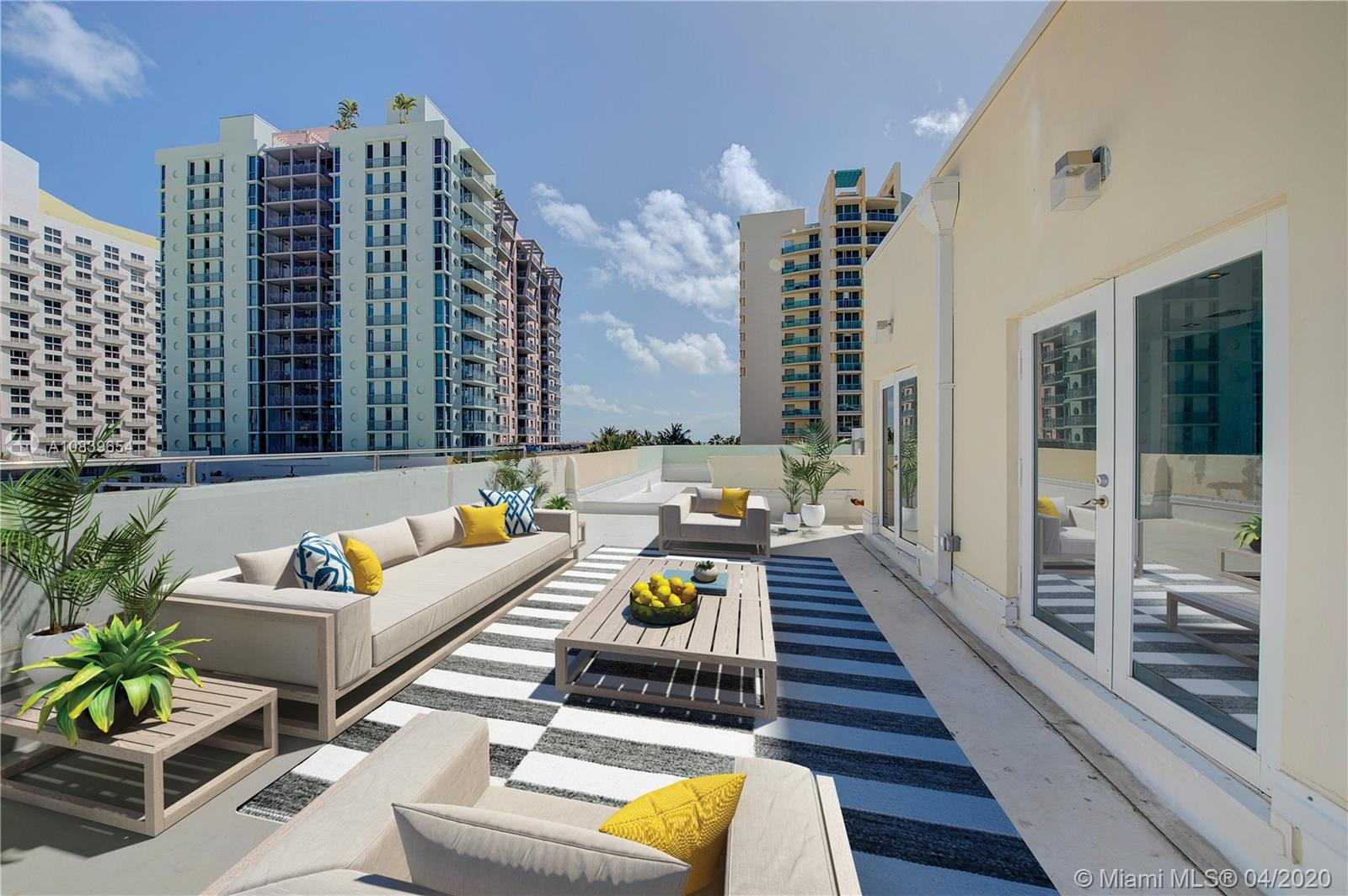 Rarely available, Ocean Drive South Beach 3 bed 2.5 bath brand new completely gut renovated from the studs out top floor 2 level corner unit with large private 1,000 sqft roof deck. Opposite the Ocean. New everything, never lived in since renovation just add your personal style to this chic blank canvas.