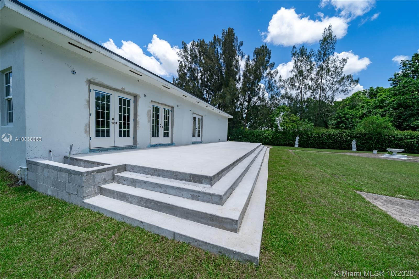 5600 SW 196th Ln  For Sale A10838986, FL