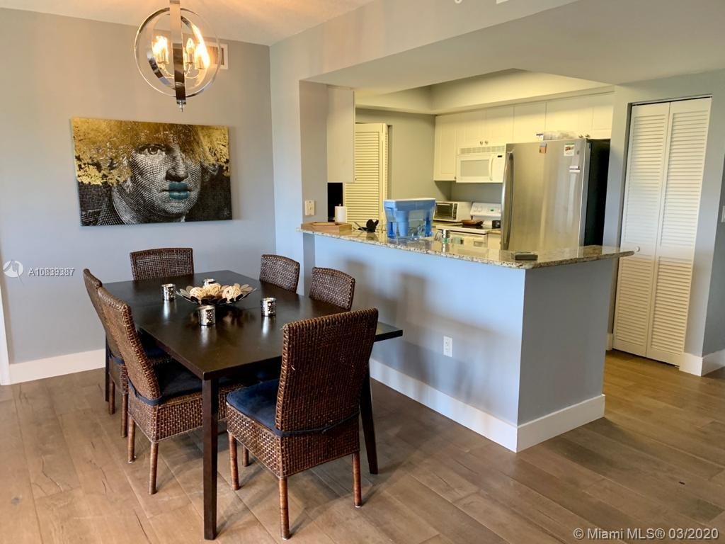 19501 W Country Club Dr #615 For Sale A10839387, FL
