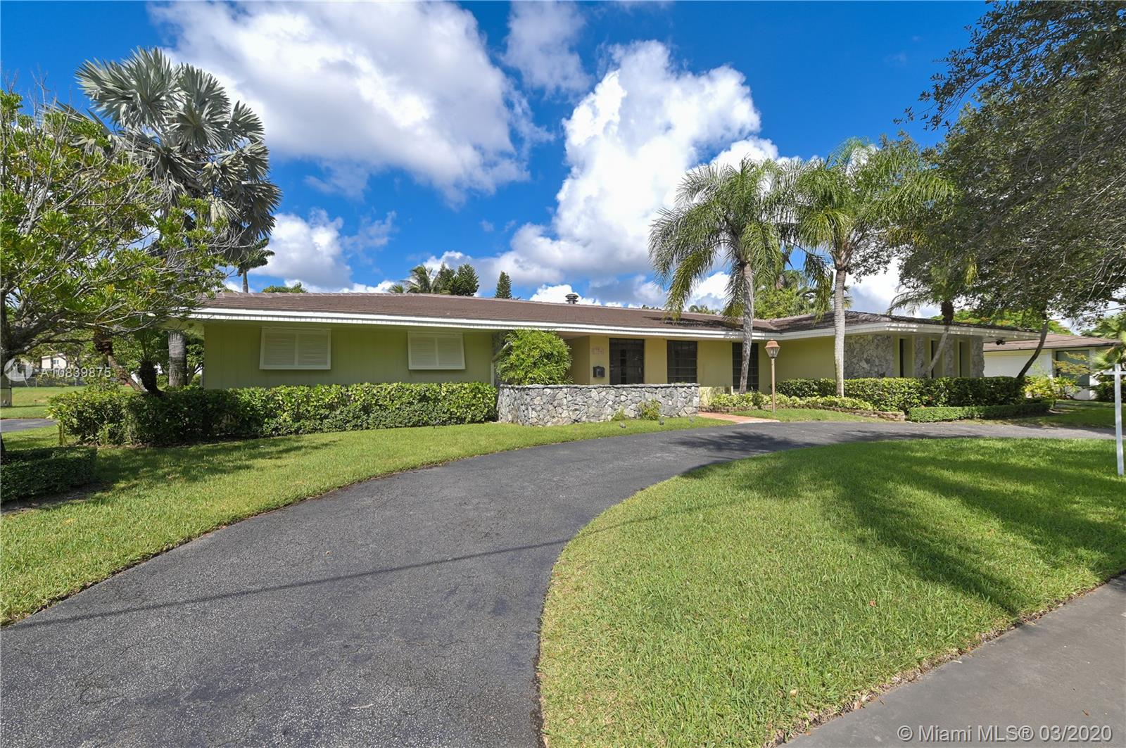 11700 SW 72nd Ave  For Sale A10839875, FL