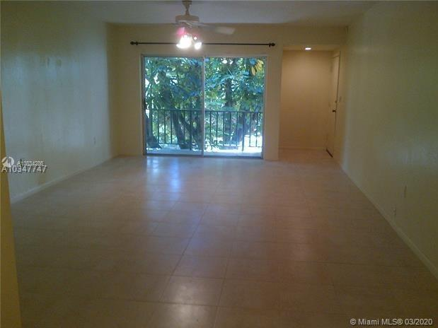 9404 SW 77th Ave #M8 For Sale A10834286, FL