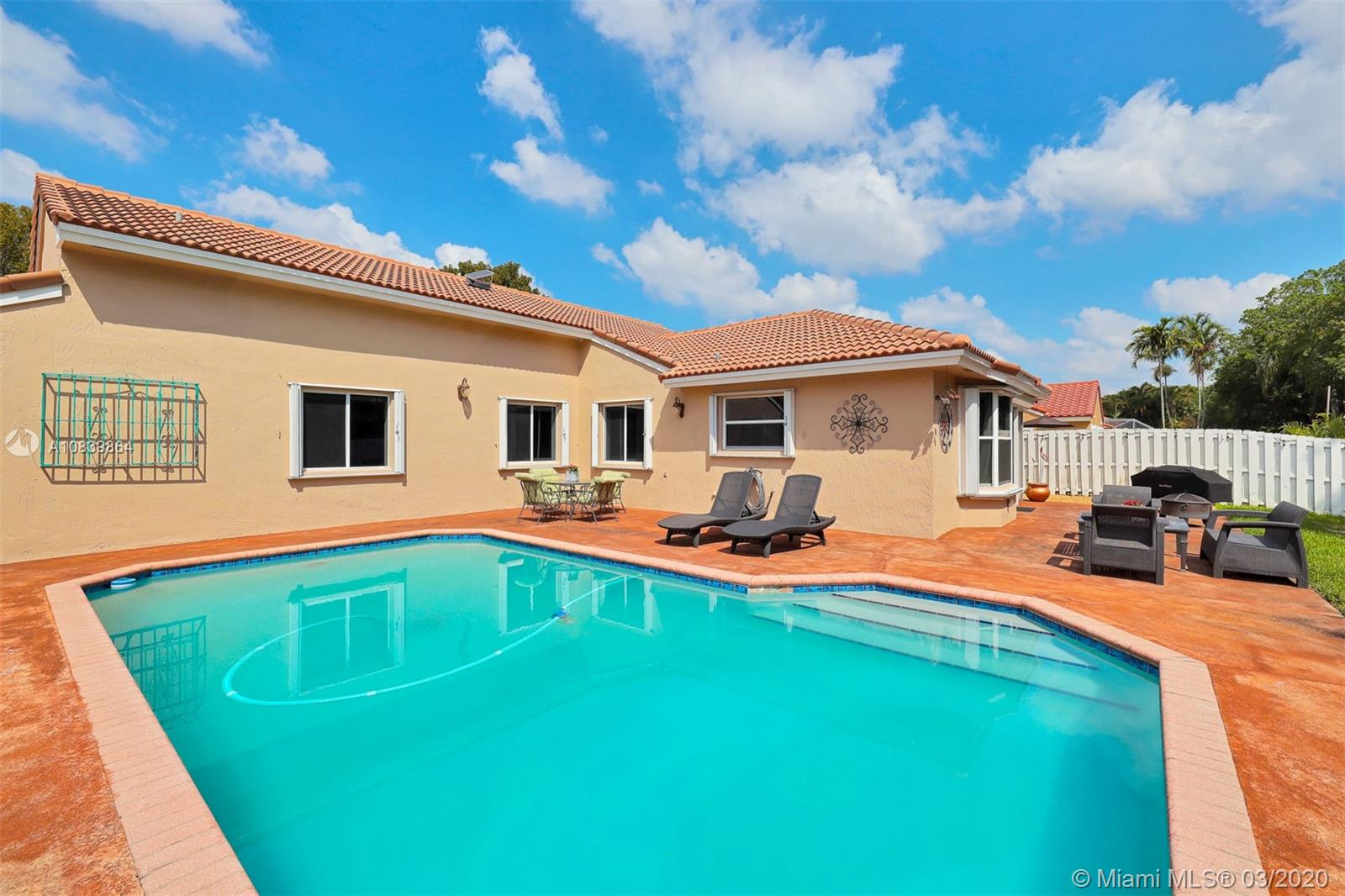 3945 SW 148th Ter  For Sale A10839864, FL