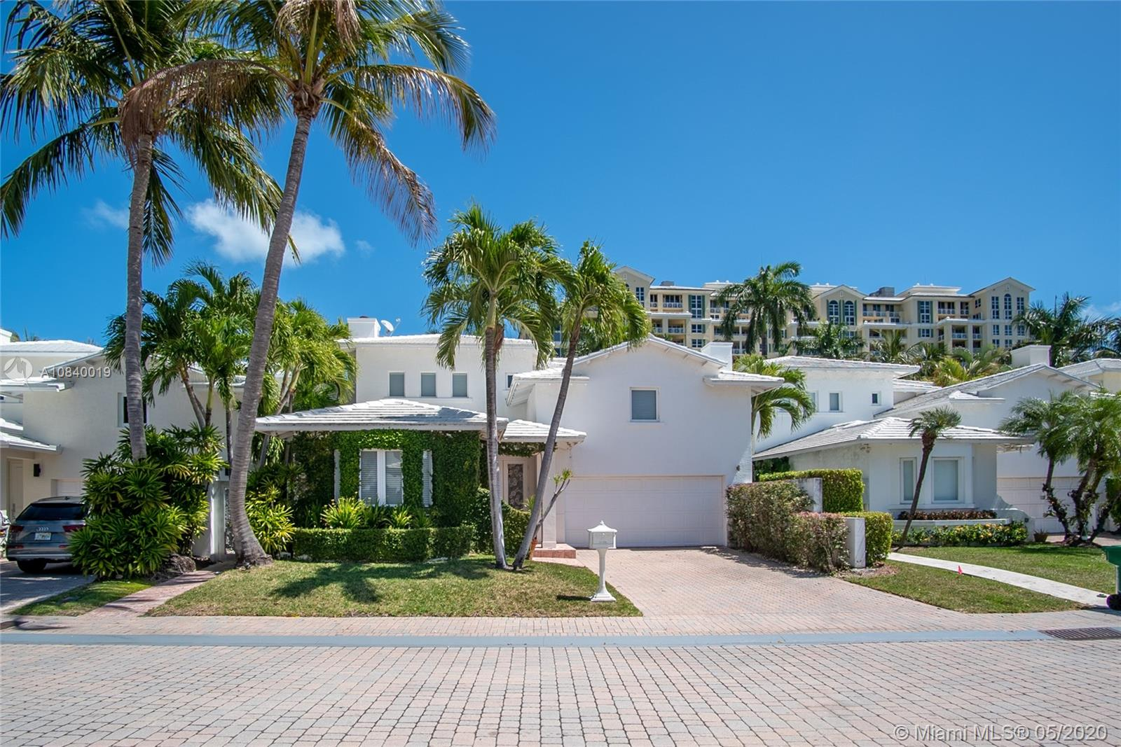 4  Coconut Ln  For Sale A10840019, FL