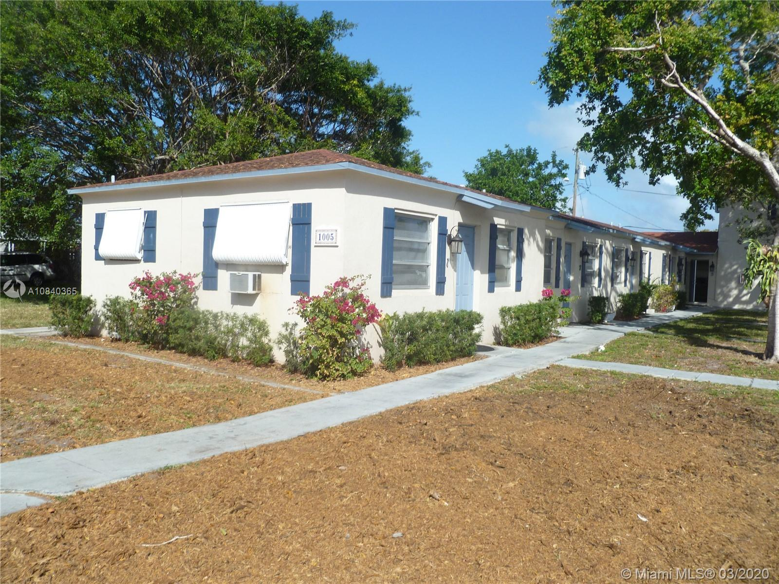 1005 N 18th Ct #5 For Sale A10840365, FL