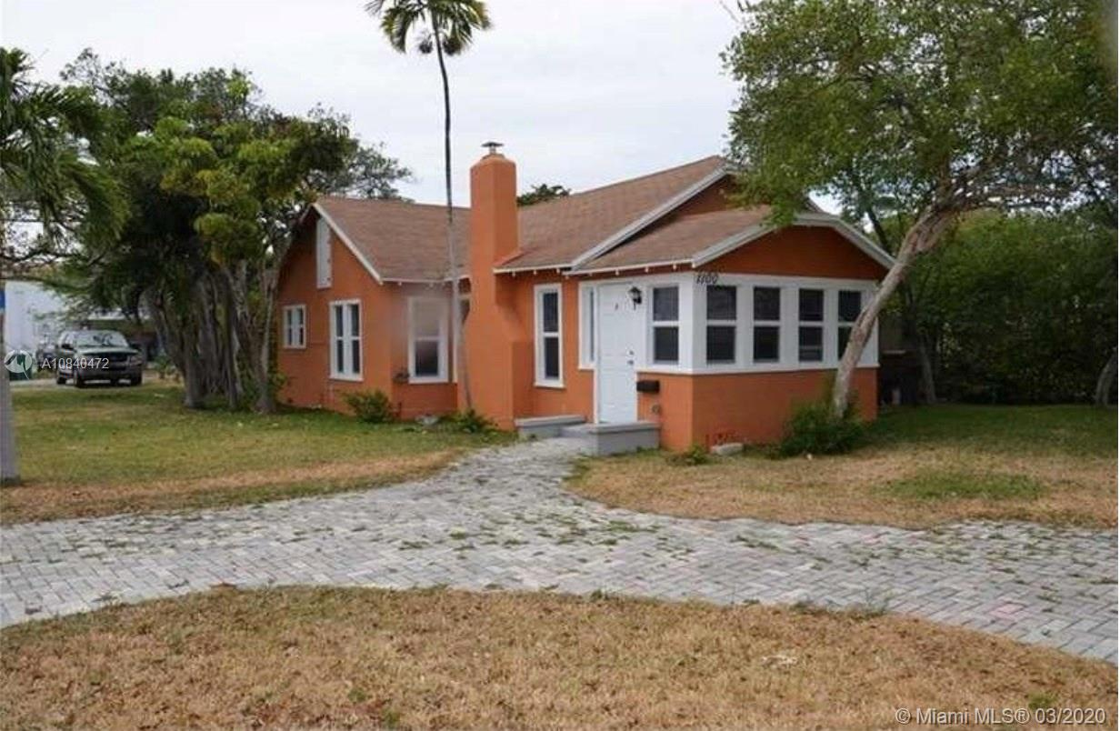 1100 N 17th Ct  For Sale A10840472, FL