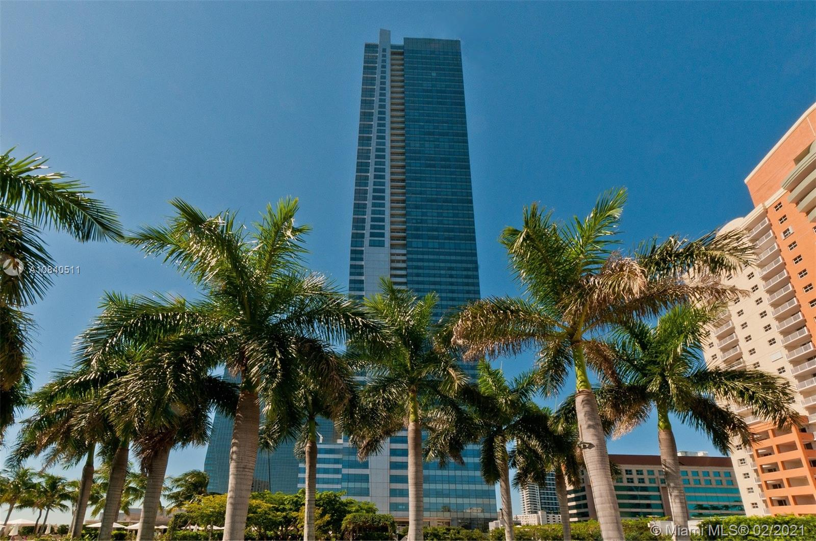 THIS IMMACULATE RESIDENCE ON THE 59TH FLOOR AT THE FOUR SEASONS RESIDENCES OFFERS BREATH-TAKING VIEWS OF THE ATLANTIC OCEAN AND BISCAYNE BAY AS FAR AS THE EYES CAN SEE. TOP-OF-THE-LINE FINISHES INCLUDING, MARBLE FLOORS, HUGE MASTER BEDROOM WITH HIS & HER WALK-IN CLOSETS, POGGENPOHL KITCHEN CABINETS, GRANITE COUNTER TOPS, MIELE, VIKING AND SUB-ZERO APPLIANCES, LAUNDRY ROOM IN UNIT. ENJOY OUTSTANDING 5 STAR AMENITIES, 24 HOUR CONCIERGE- VALET- SECURITY, 50,000 SQ. FT. GYM & SPA, OWNERS' LOUNGE AND MORE!