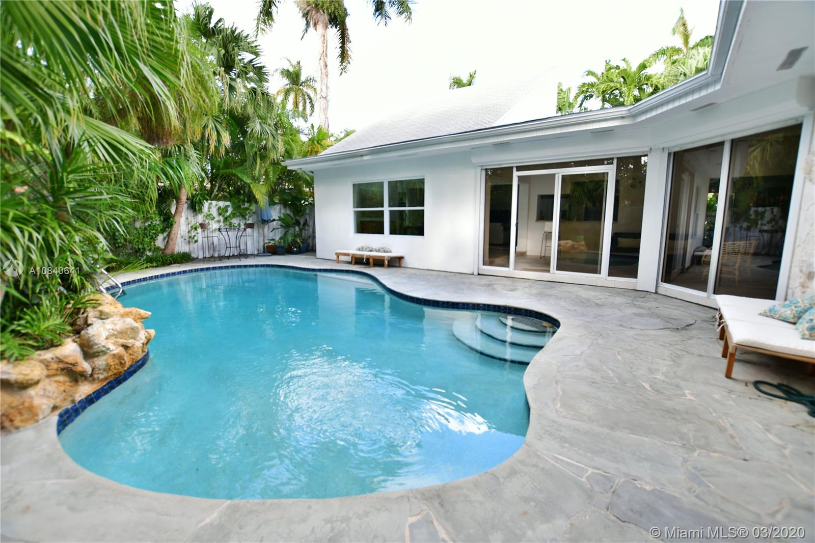 7610  Center Bay Drive  For Sale A10840641, FL