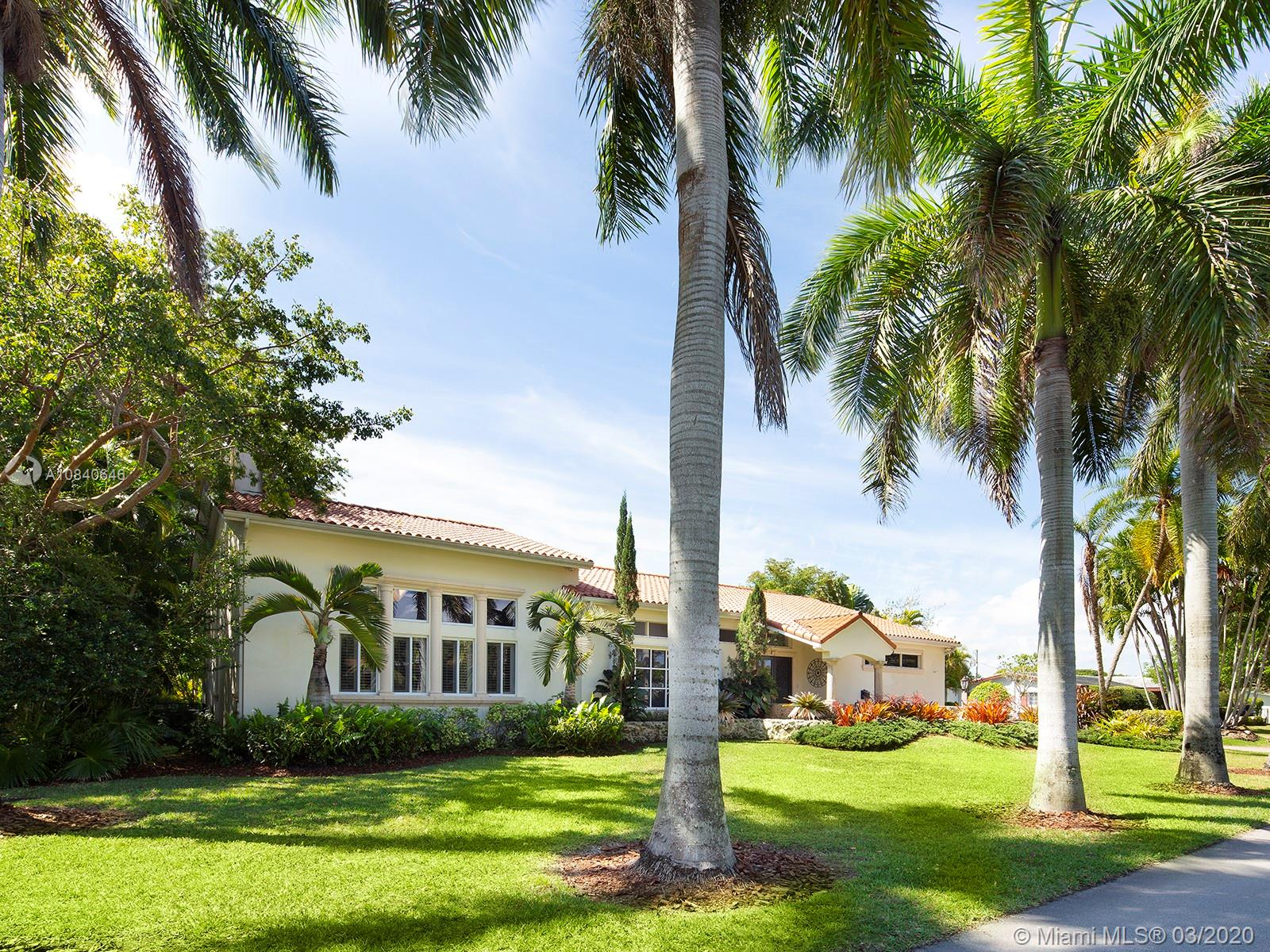 6720 SW 145th St  For Sale A10840646, FL