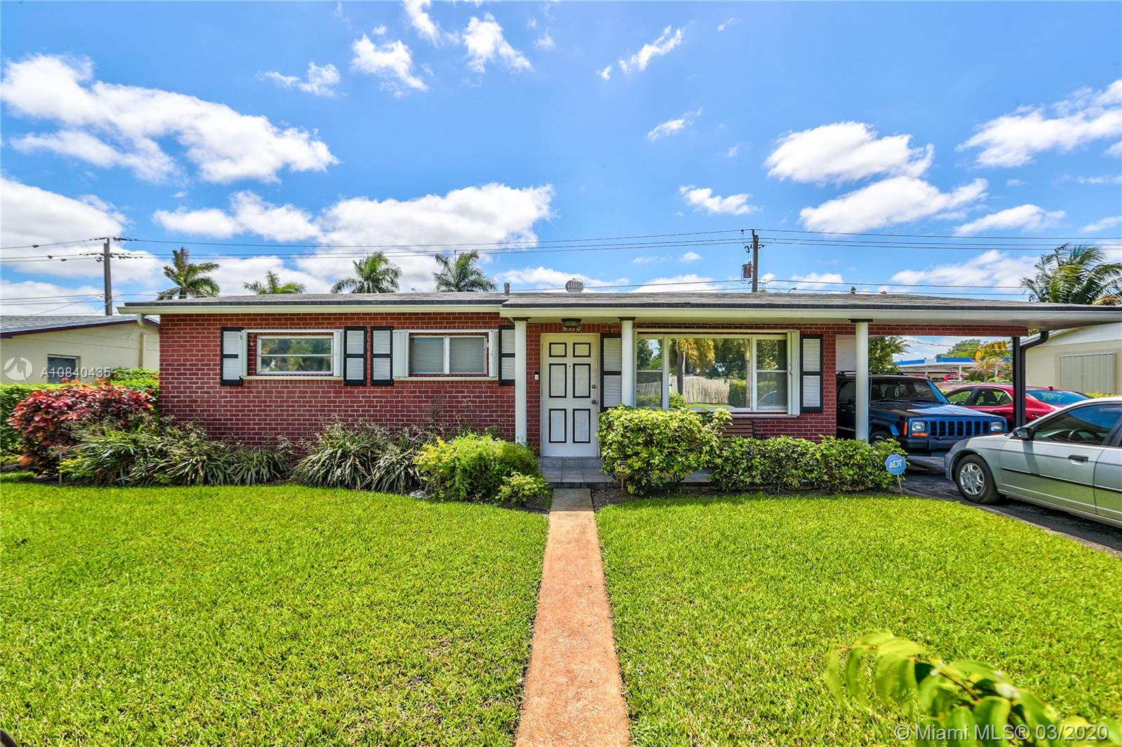 6570  Tyler St  For Sale A10840435, FL