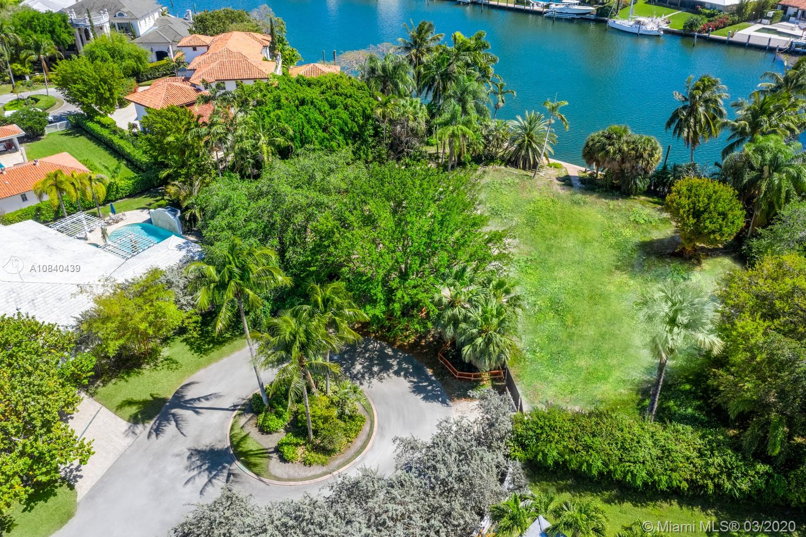 620  Reinante Ave  For Sale A10840439, FL
