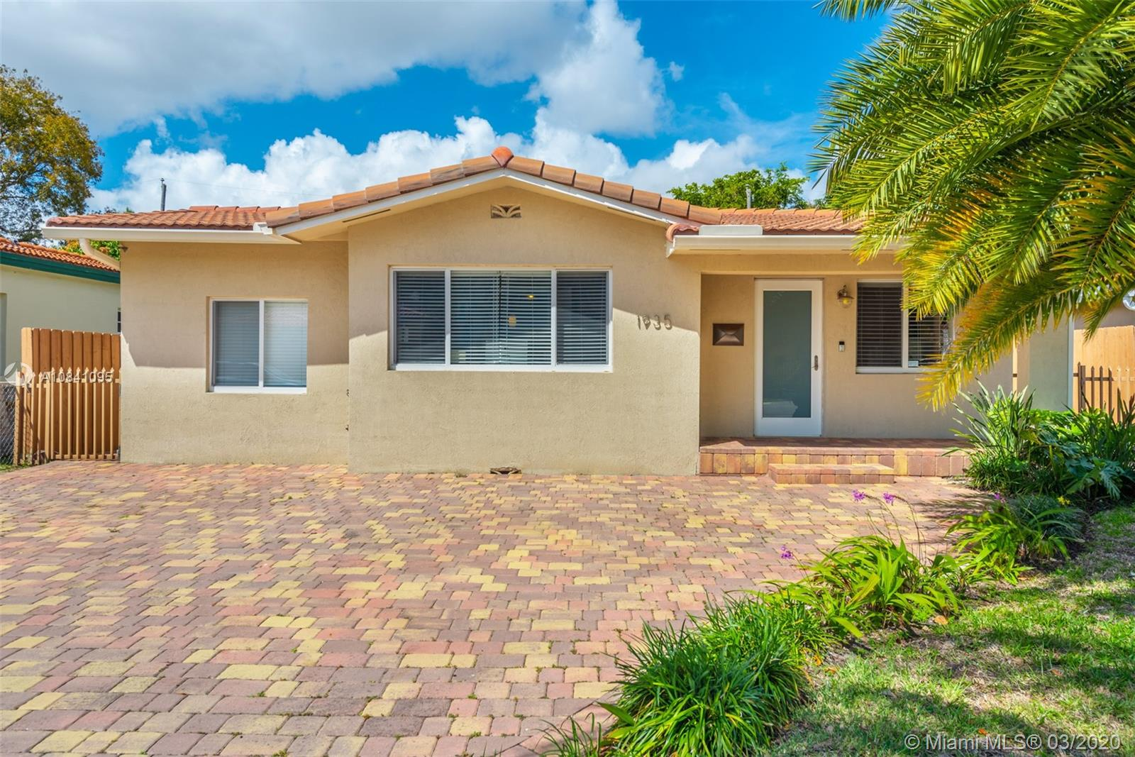 1935 SW 18th St  For Sale A10841095, FL