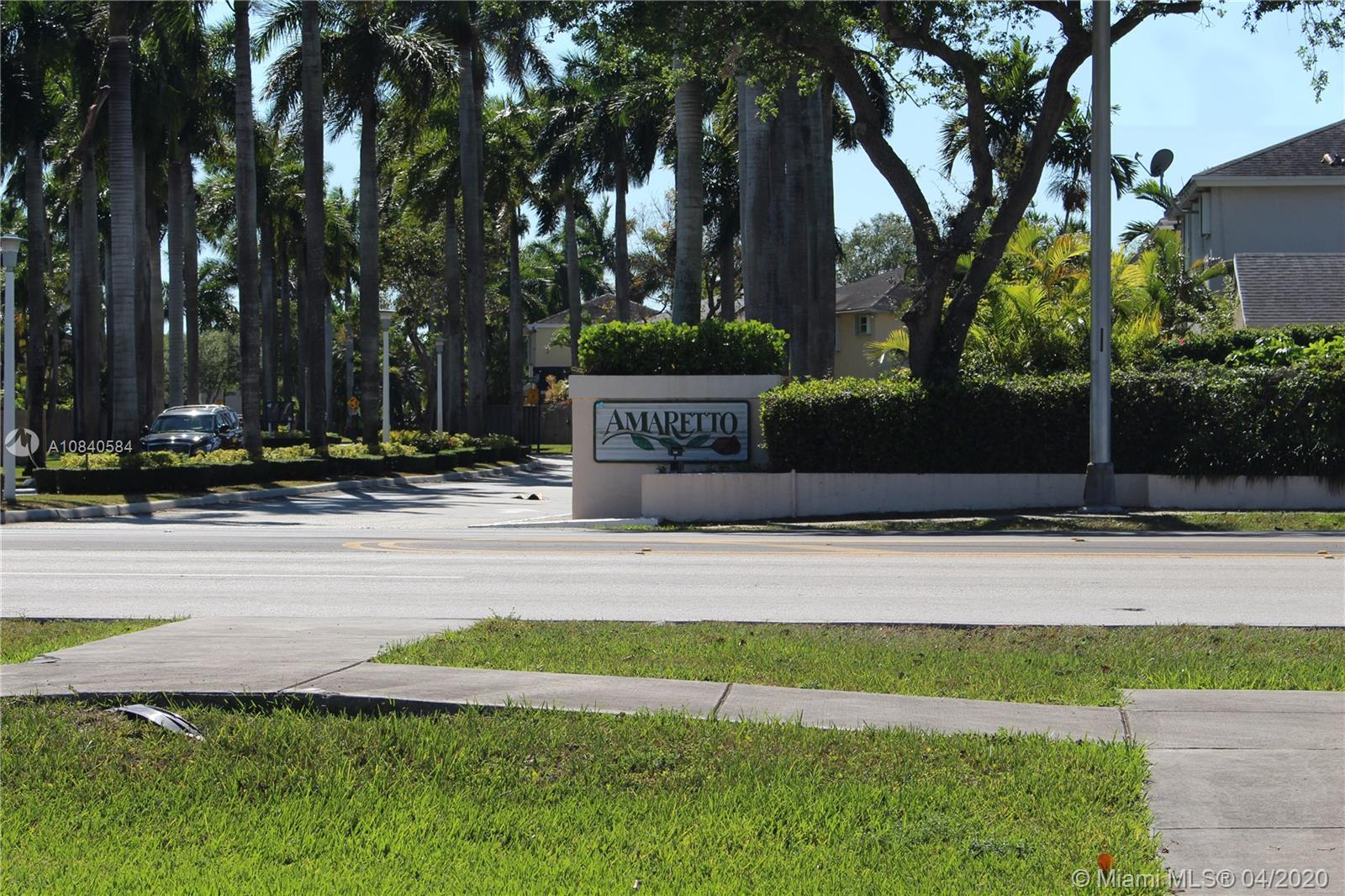 11846 SW 102nd St  For Sale A10840584, FL