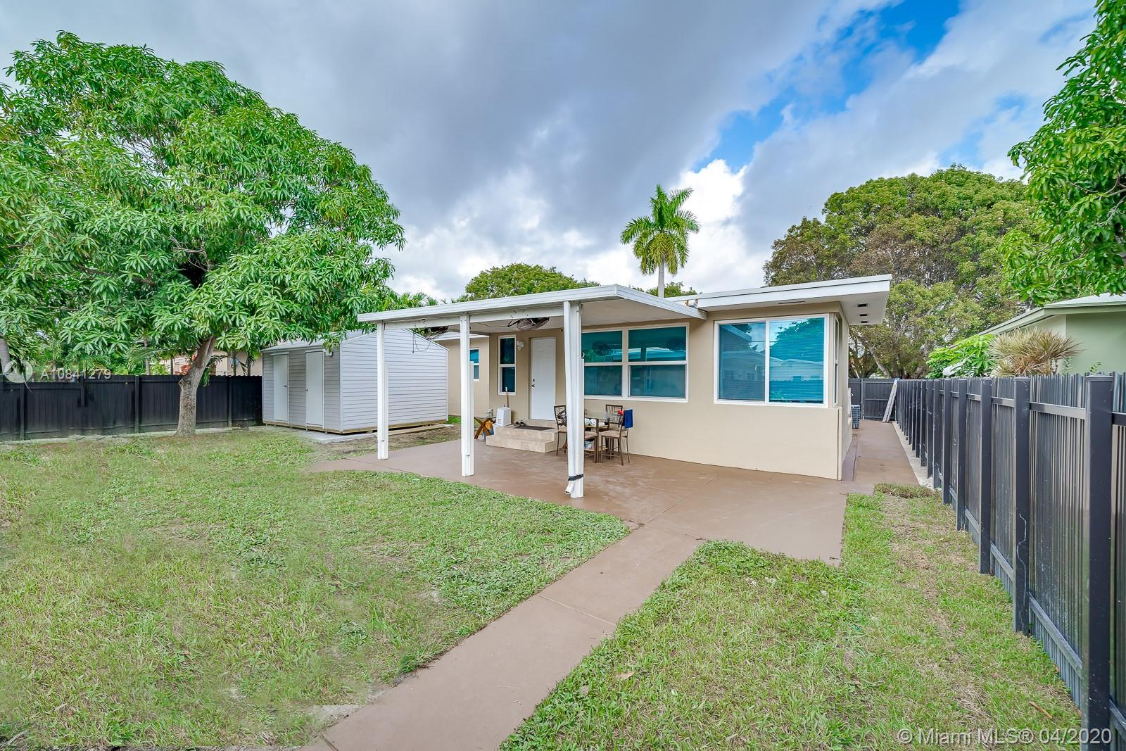 1948  Wiley St #E For Sale A10841279, FL