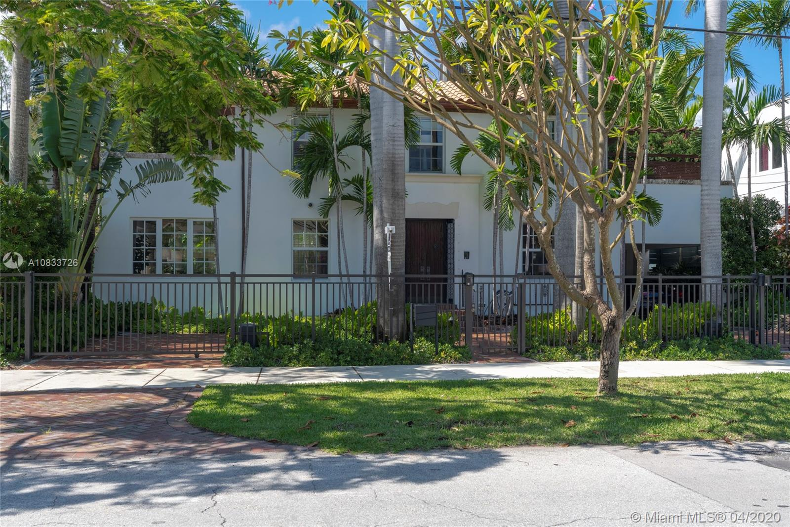 2804  Prairie Ave  For Sale A10833726, FL