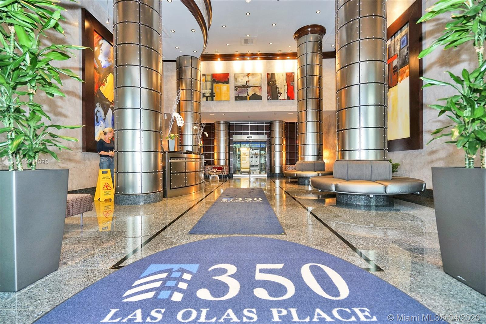 Live in the heart of Downtown Las Olas.  Walking distance to restaurants, shops, night life and beaches.  Freshly painted unit, bamboo flooring in living area and carpet in bedroom.  Marble bathroom with roman tub/shower enclosure.  Community has fabulous rooftop infinity pool, gym, business center with conference facilities, theater room,  24/7 doorman, bicycle storage, wifi and upgraded cable (HBO) included.