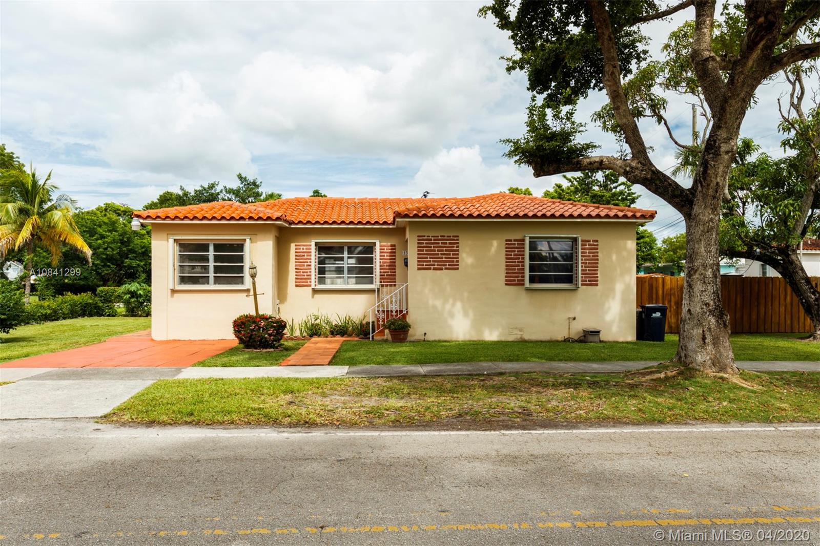 1361 SW 58th Ave  For Sale A10841299, FL