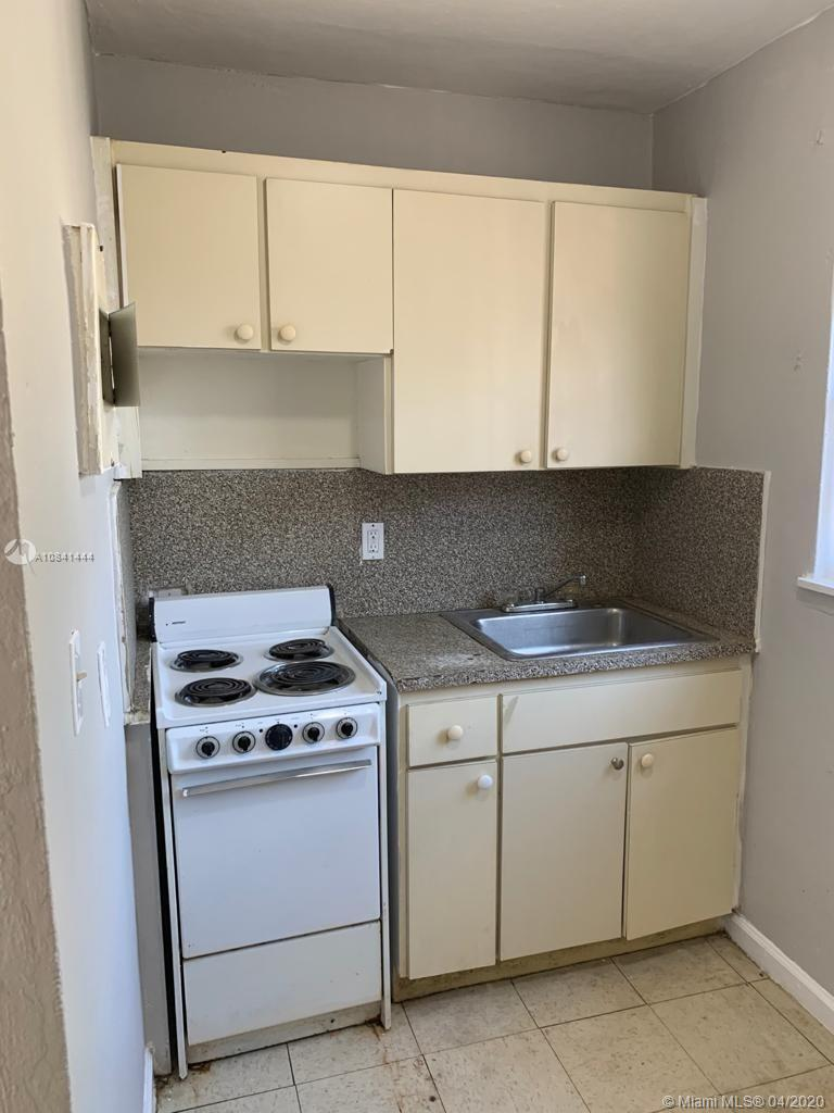 1210 NW 2nd Ave #5 For Sale A10841444, FL
