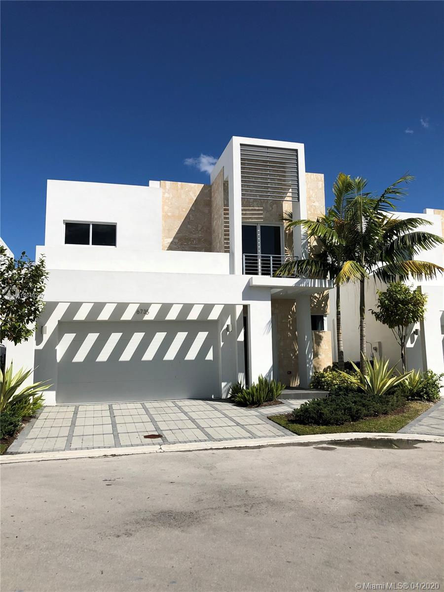6735 NW 103rd Ave  For Sale A10840297, FL