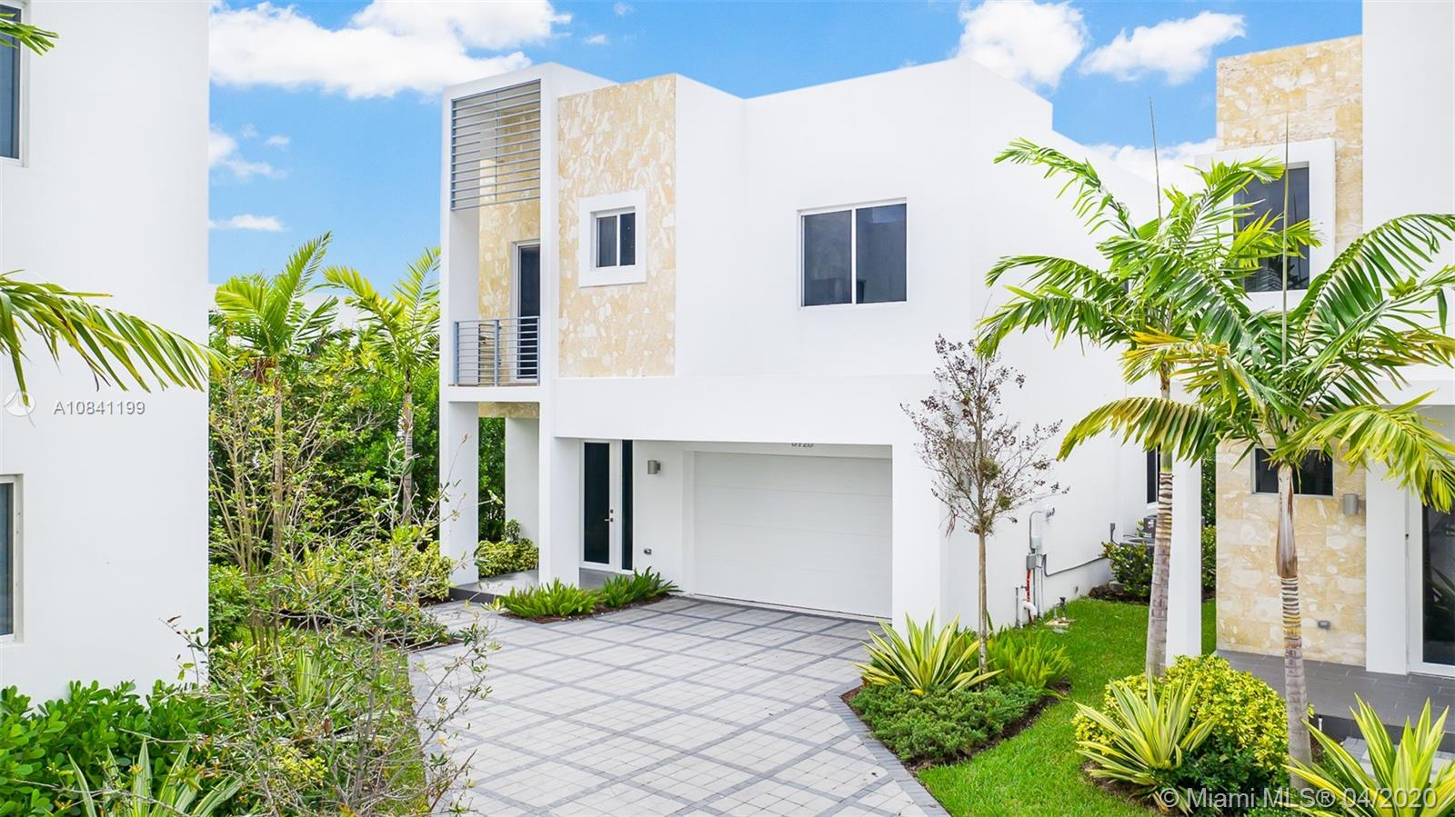 6750 NW 103rd Ave  For Sale A10841199, FL