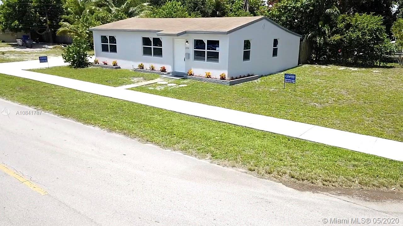 2136 N 22nd Ave  For Sale A10841787, FL