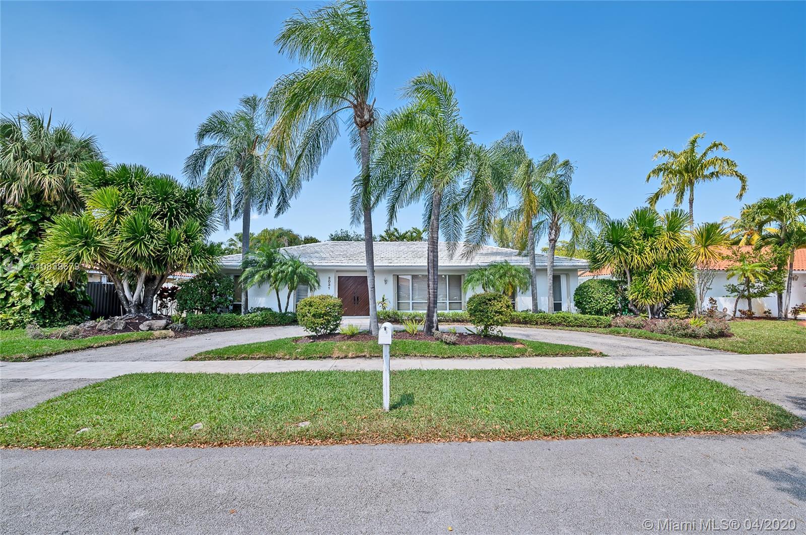 2031 NE 211th Terrace  For Sale A10839679, FL