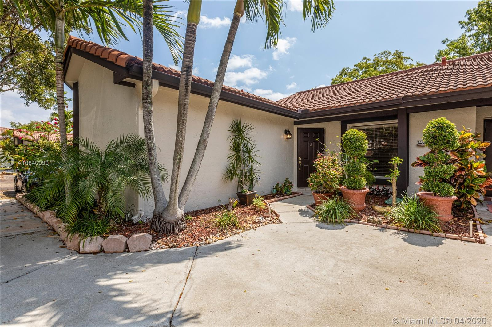 15210 SW 48th Ter #H-83 For Sale A10840999, FL