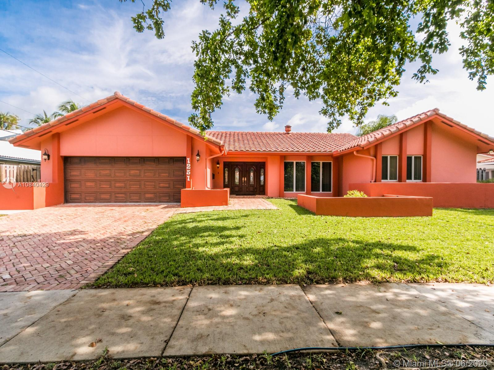 1251  Wiley St  For Sale A10840429, FL