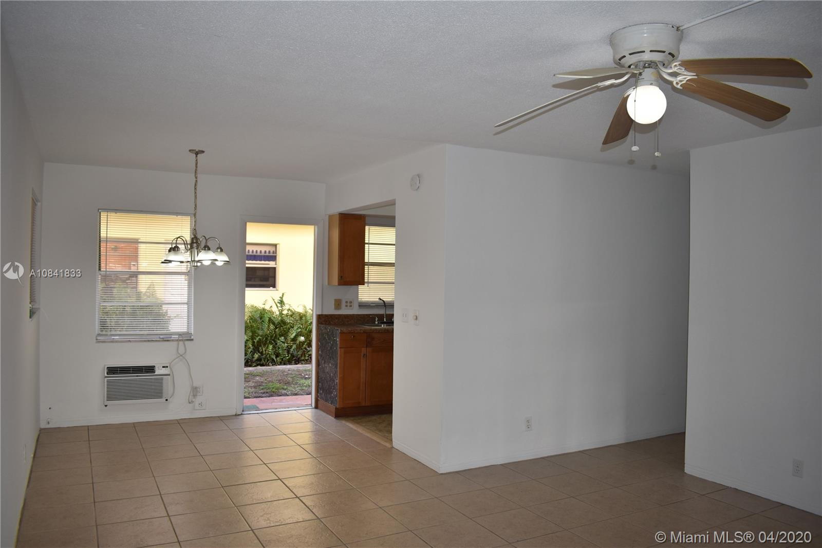 5300  Hollywood Blvd #7 For Sale A10841833, FL