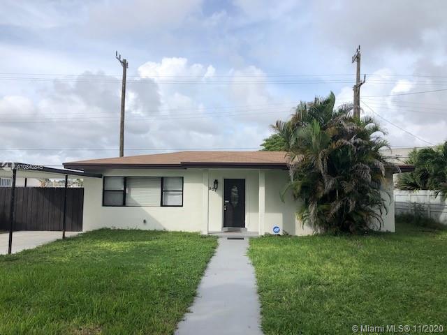 907 NE 164th St  For Sale A10840845, FL