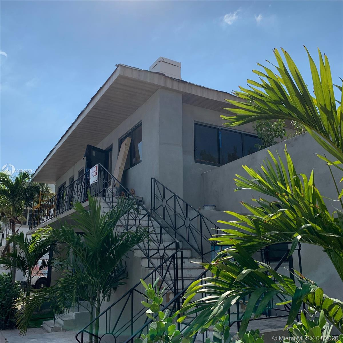 730  14th Place #11 For Sale A10842601, FL