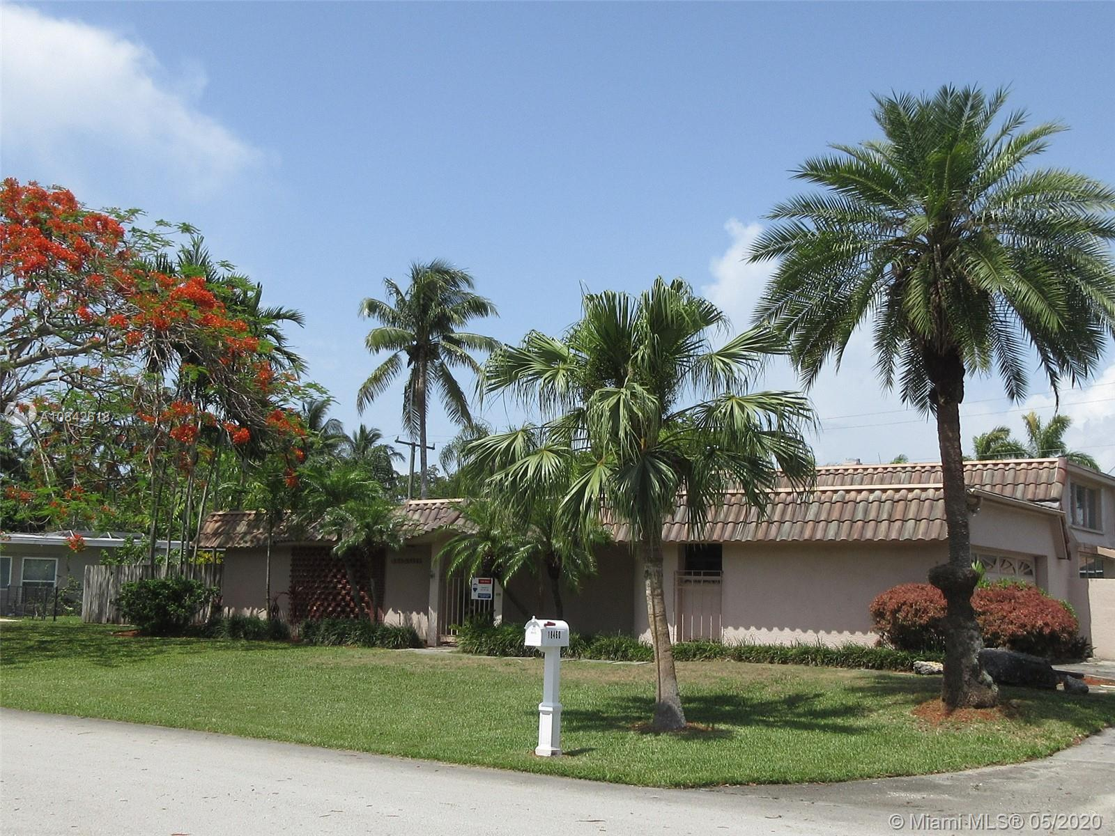 18460 SW 83rd Ct  For Sale A10842618, FL
