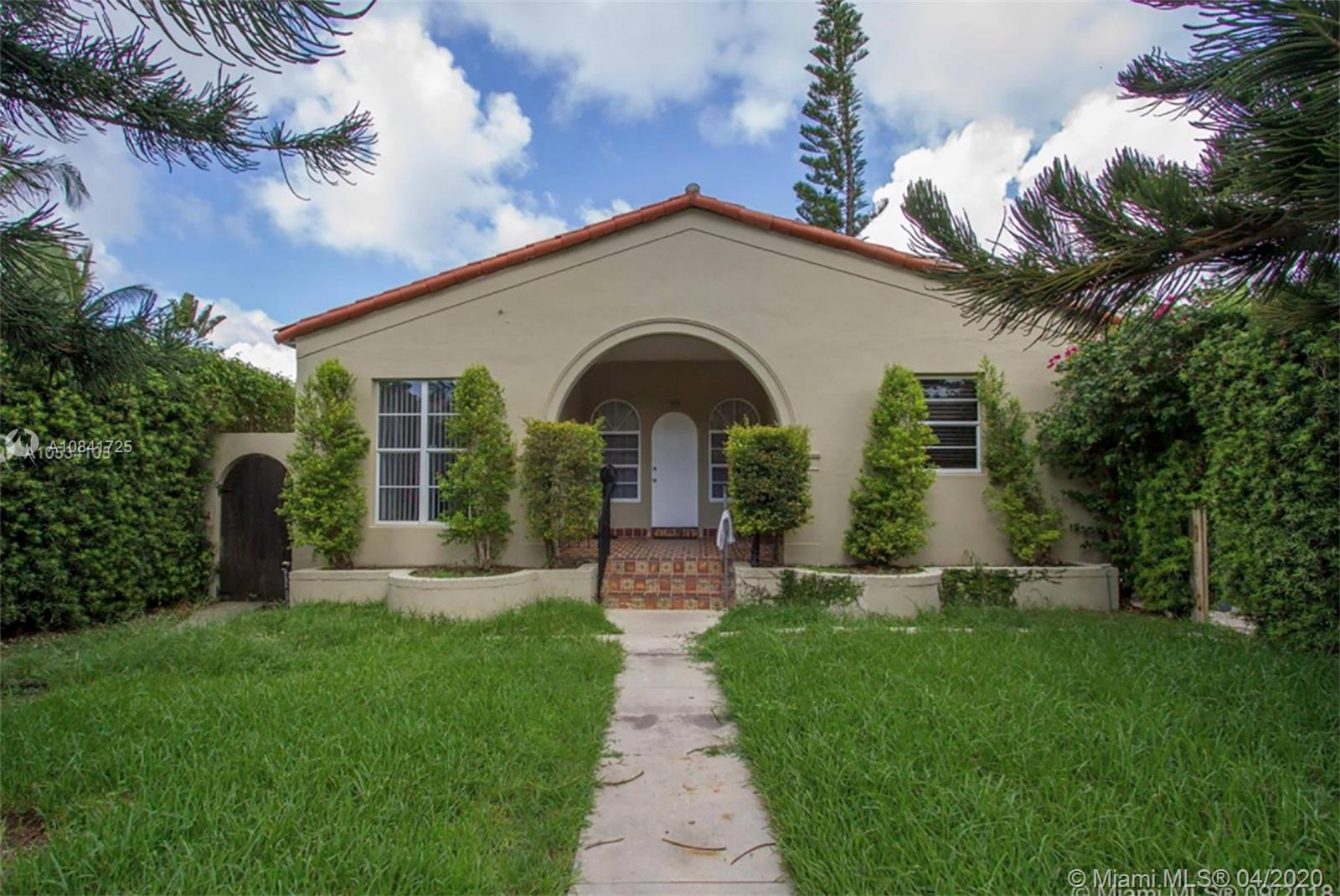 535 W 29th St  For Sale A10841725, FL