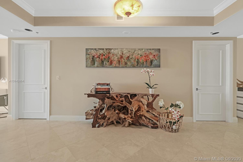 781  Crandon Blvd #1802 For Sale A10840864, FL