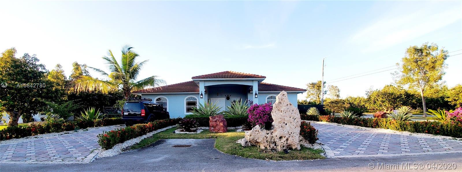 16205 SW 275th St  For Sale A10842780, FL