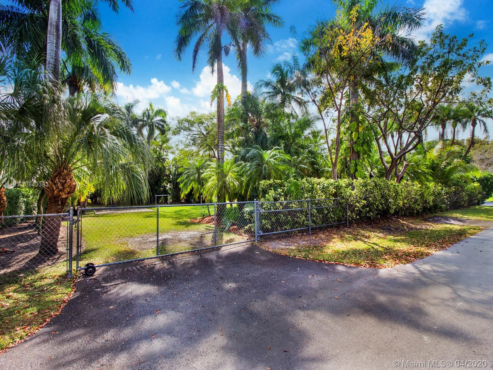 14121 SW 99 Court  For Sale A10840383, FL
