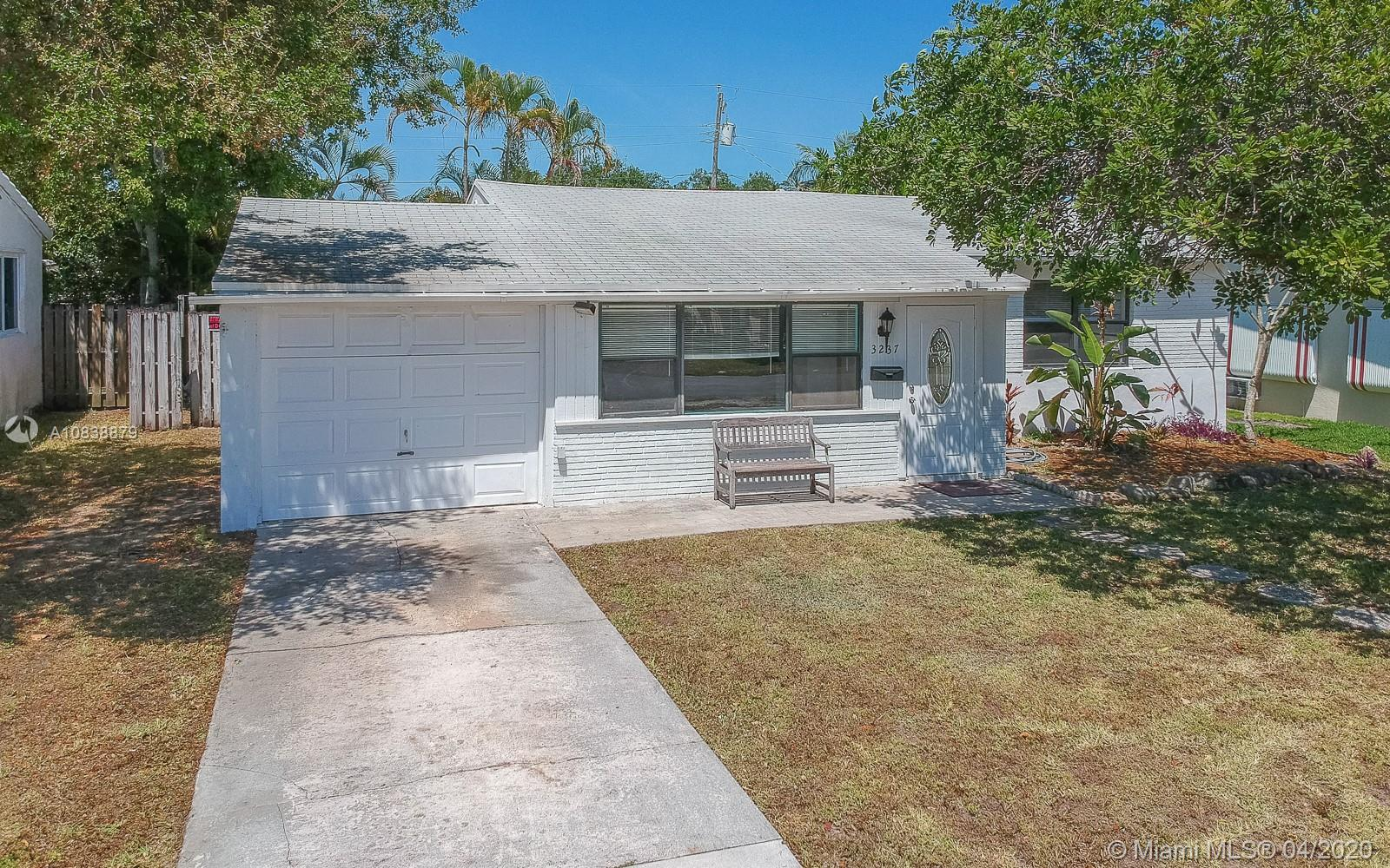 3237  Cleveland St  For Sale A10838879, FL