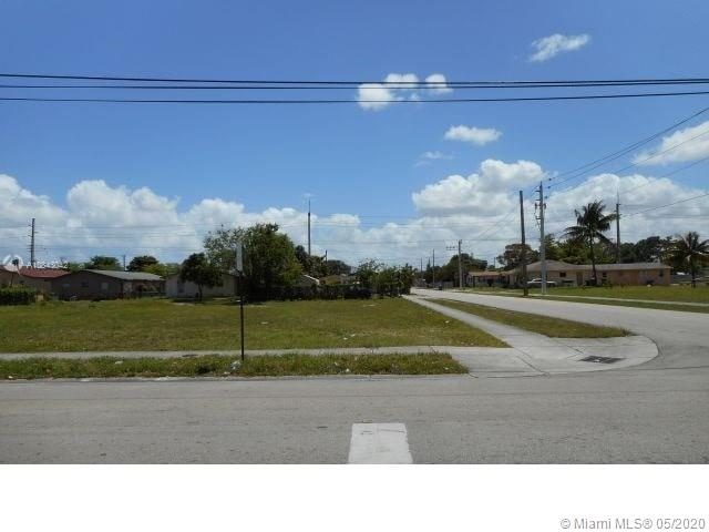 1801 SW 42nd Ave  For Sale A10843042, FL