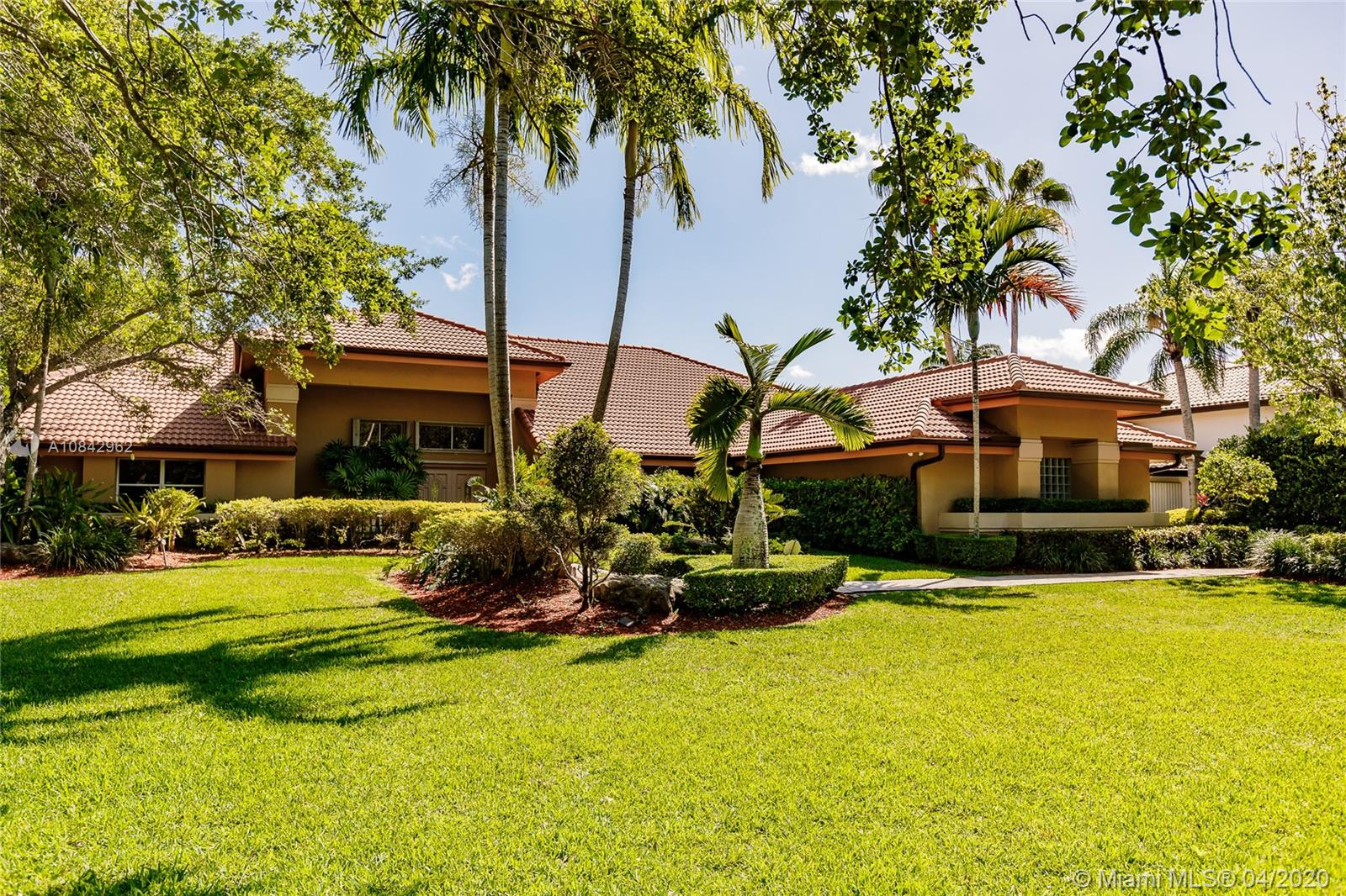 9818 SW 111th Ter  For Sale A10842962, FL