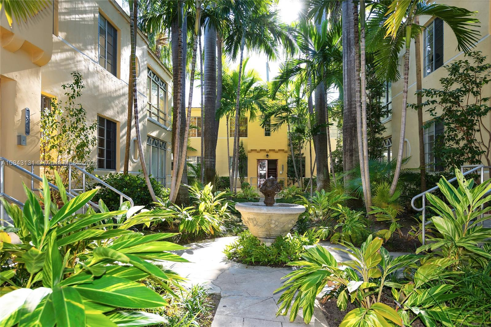 1570  Meridian Ave #8 For Sale A10843131, FL