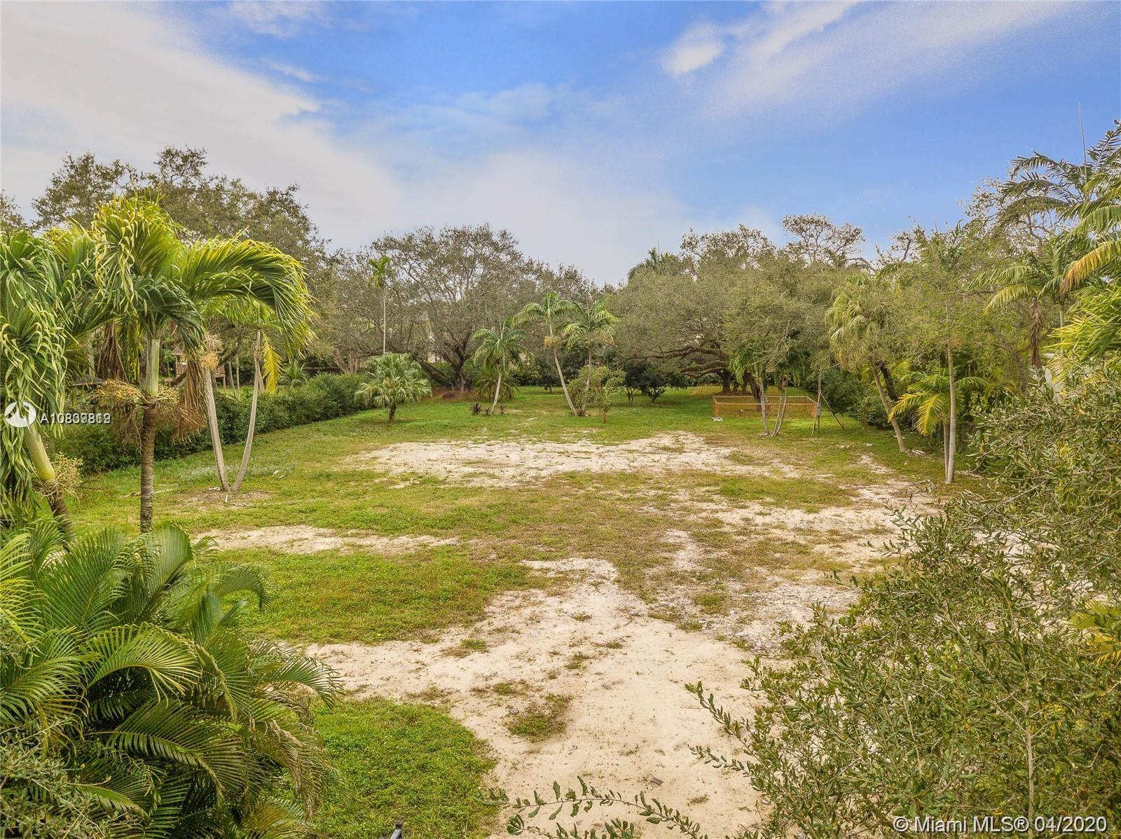 9840 SW 60 Court  For Sale A10839819, FL