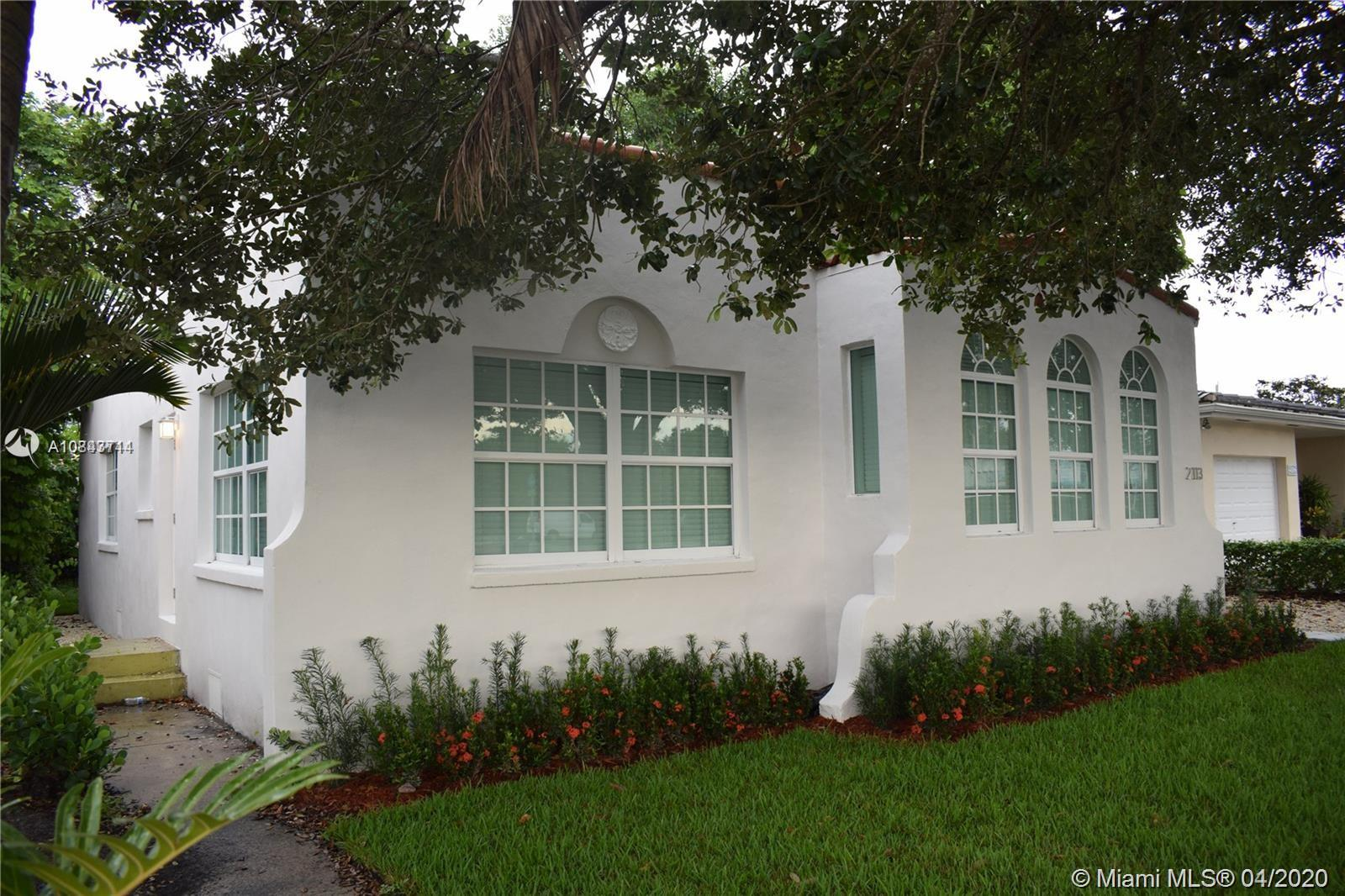 2113 SW 57th Ave  For Sale A10843714, FL