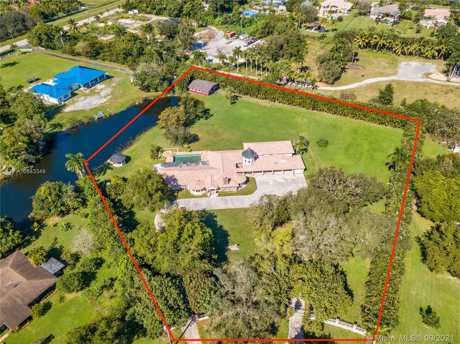 11050 SW 25th St  For Sale A10843349, FL