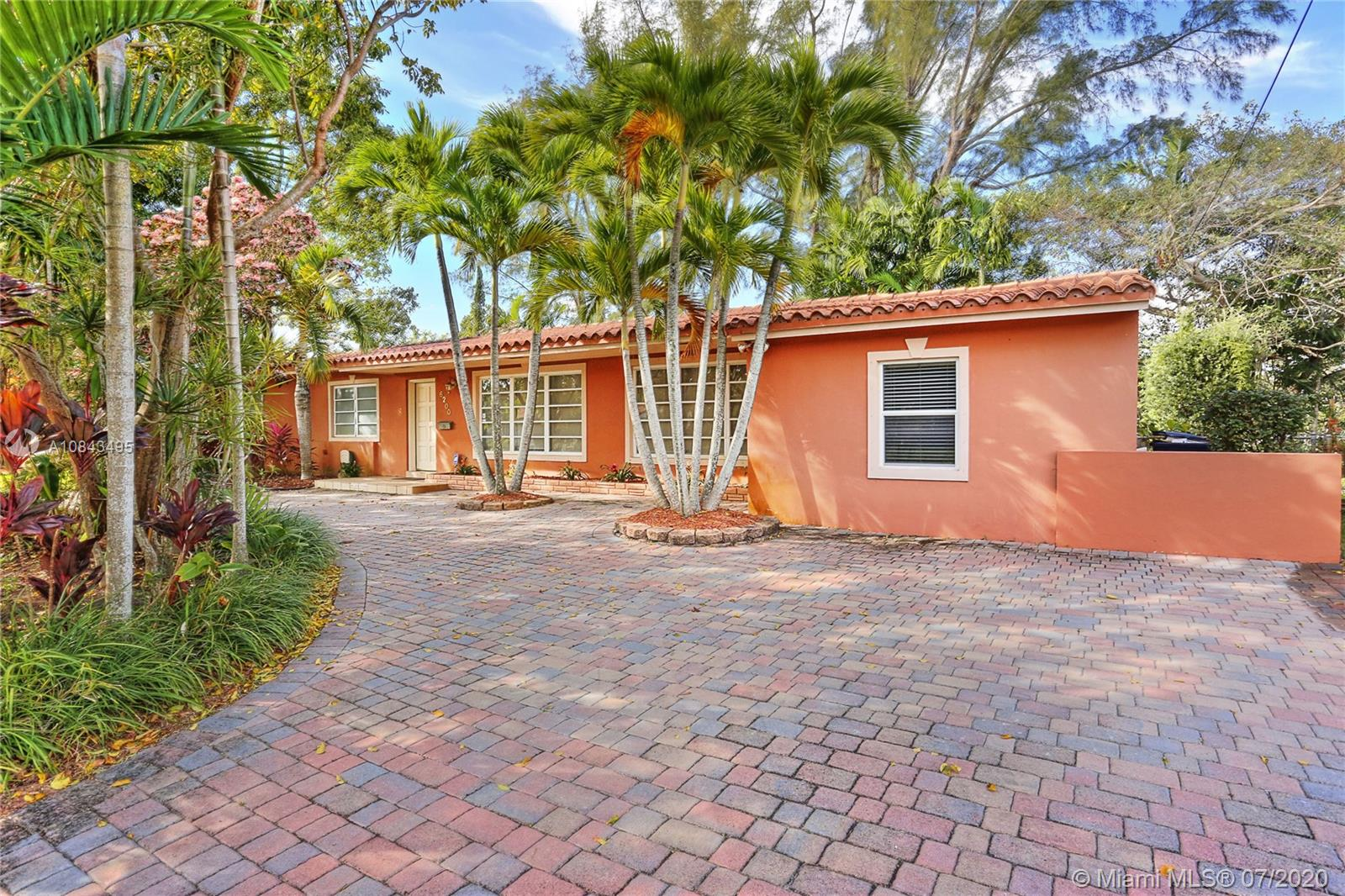 6200 SW 63rd Ave  For Sale A10843495, FL