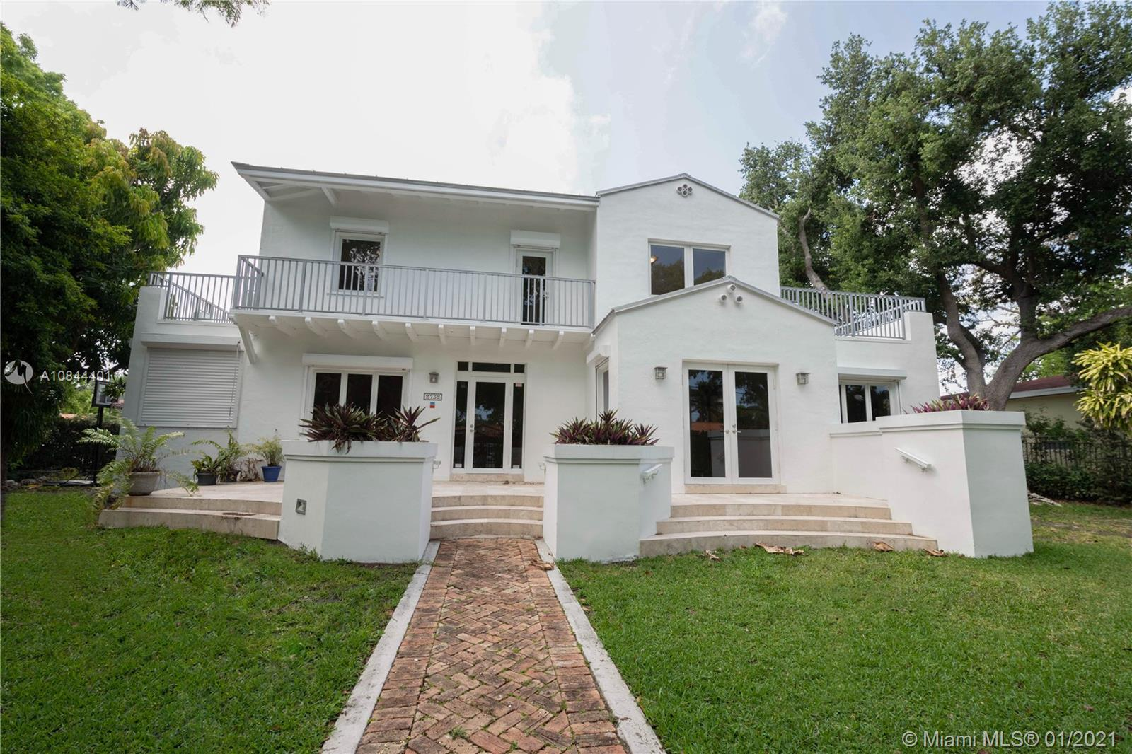 2732 SW 2nd Ave.  For Sale A10844401, FL