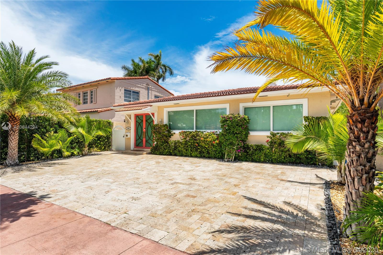 4453  Royal Palm Ave  For Sale A10844294, FL