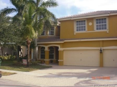 HUGE 6 BEDROOMS 4 BATHS,3 CAR GARAGE. LOCATED IN POPULAR COMMUNITY OF PEMBROKE SHORES. ONE BEDROOM AND FULL BATH DOWNSTAIRS. SEE VIRTUAL TOUR