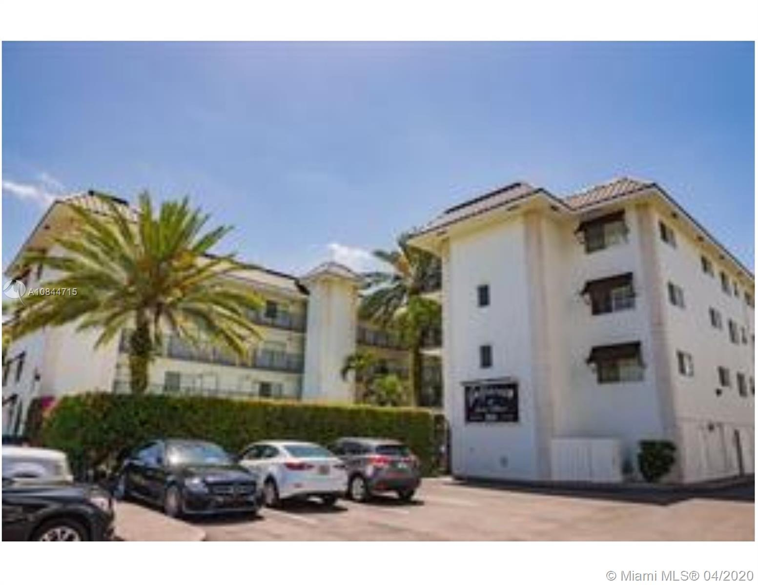 924 SE 2nd St #4 For Sale A10844715, FL